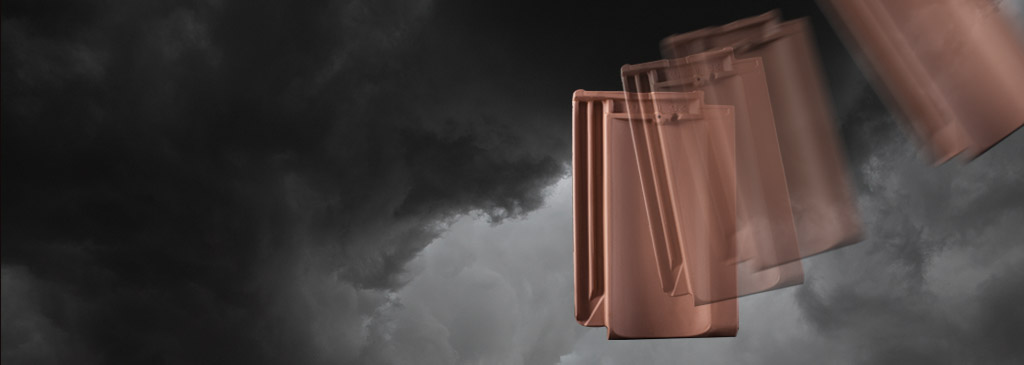 Fixation and storm security:  FOS clips secure roofs professionally.